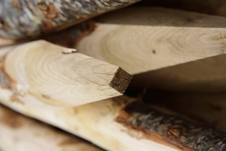 poteau en bois de chataignier bpn le neubourg eure